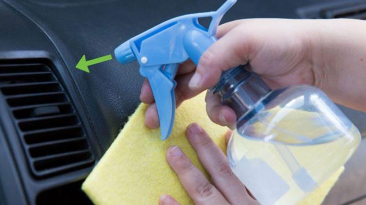 cara mengatasi aircond kereta berbau Bersihkan penapis dan grill secara berkala