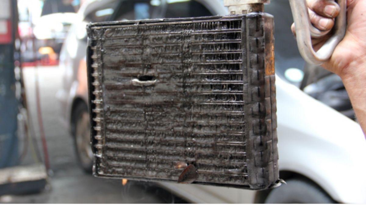 punca aircond kereta berbau evaporator kotor